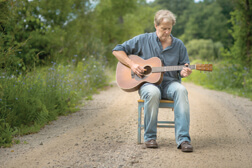 Jeff Daniels does it in the road; photo by Luke Pline